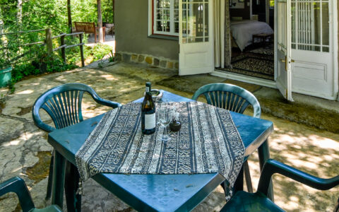 MGLG-Cottage-outside-new